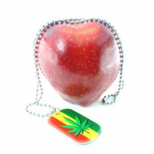 สร้อยคอใบกัญชา Necklace Cannabis on Green Yellow Red Colors