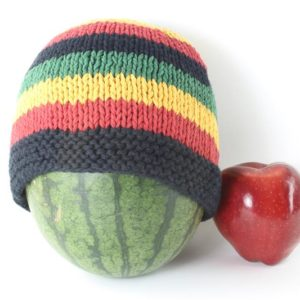 Beanie Short Large Stripes Rasta and Black หมวกถักสไตล์ราสต้าสีดำสลับเขียว เหลือ