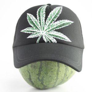 Cap Black Color Big Cannabis Leaf หมวกแก๊ปราสต้าสีดำ ลายใบกัญชาสีเขียว-ขาวขนาดให