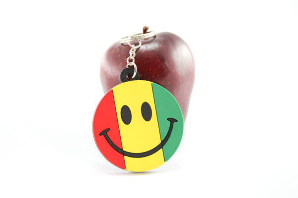 KEYCHAIN SMILEY RASTA COLORS GREEN YELLOW RED
