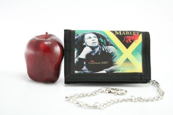 Wallet Fabric Chain Jamaica Flag กระเป๋าสตางค์ BOB MARLEY 4x5 นิ้ว มีสายโซ่คล้