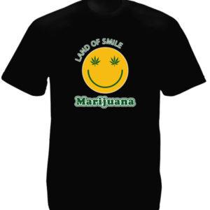 เสื้อยืดสีดำ ลาย Smiley พร้อมคำว่า Land of Smile Marijuana